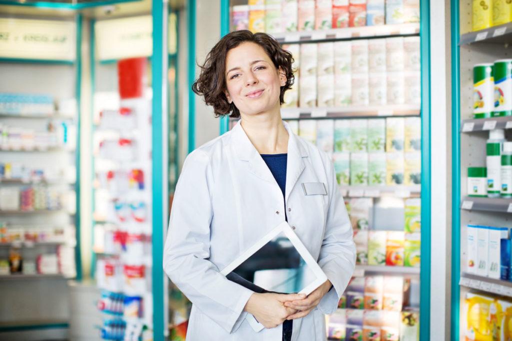 Pharmazeutisch-technische Assistentin in Apotheke